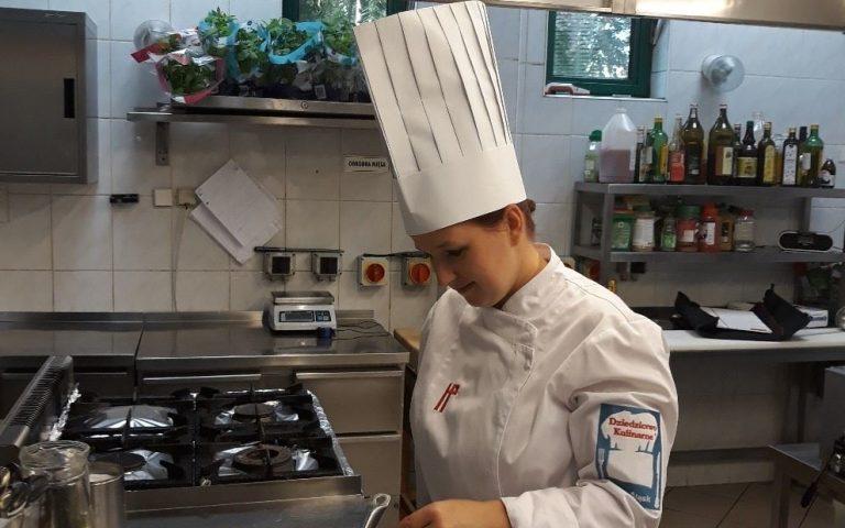 Hotelek, éttermek keresnek hallássérült munkatársakat
