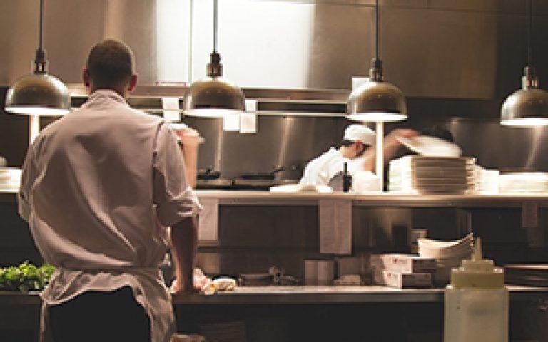 Heti kétszeri munka étteremben az I. kerületben, a metróhoz közel